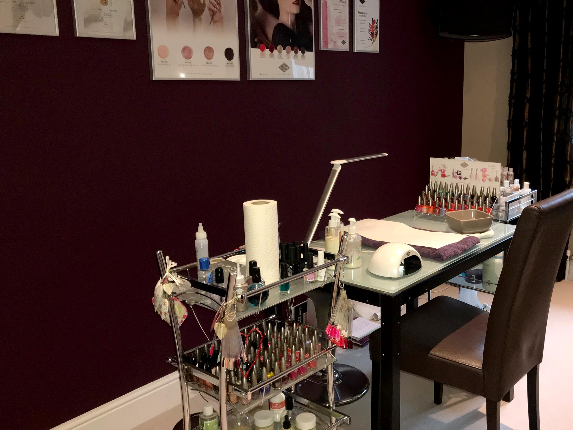 Interior shot of Nail Vision Studio2